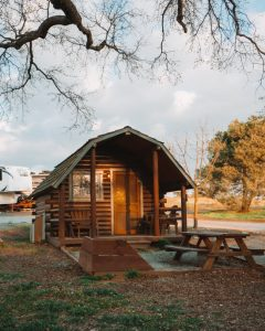 Angels-Camp-RV-Park-Cabin-Camping