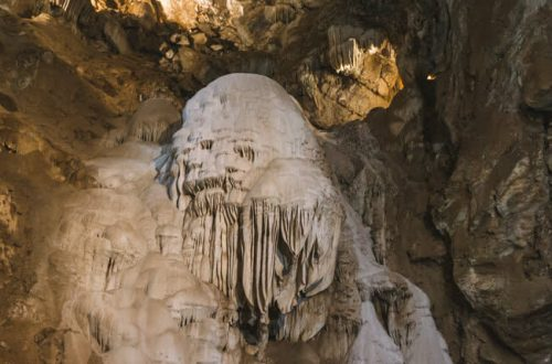 Moaning Caverns