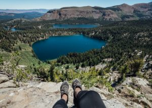 Crystal-Lake-Trail-In-Mammoth-Lakes-Basin-California