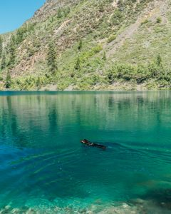 Hiking-Convict-Lake-Loop-Inyo-National-Forest