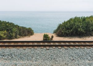 Carpinteria-Bluffs-Trail-Amtrak-tracks