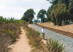 Carpinteria-Bluffs-Trail-Railroad-Tracks-Carpinteria