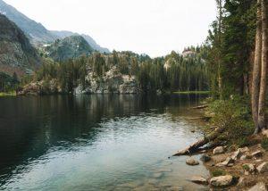 Arrowhead-Lake-Mammoth-Lakes-California