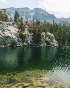 Skelton-Lake-Mammoth-California