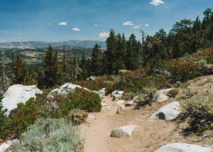 Hikes-Mammoth-Lakes-Sherwin-Lakes-Trail
