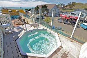 Best-Hotels-In-Morro-Bay-On-the-Beach-Bed-and-Breakfast