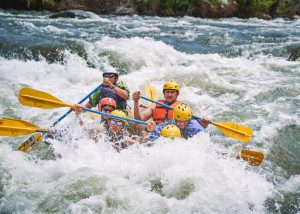 Fun-things-to-do-in-Bakersfield-CA-river-rafting