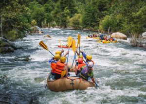 Fun-things-to-do-in-Bakersfield-river-rafting